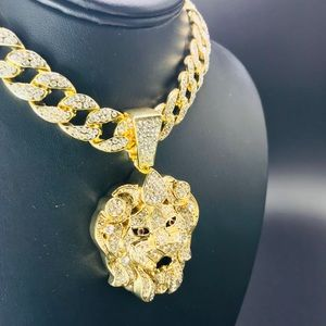 """Other - 18"""" Iced Out Miami Necklace with Lion head"""